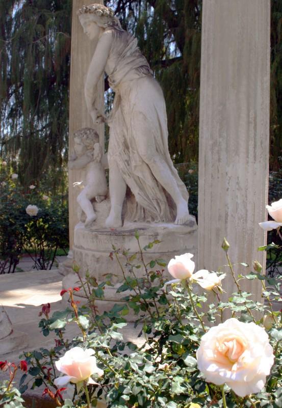 statueSidemother&child3