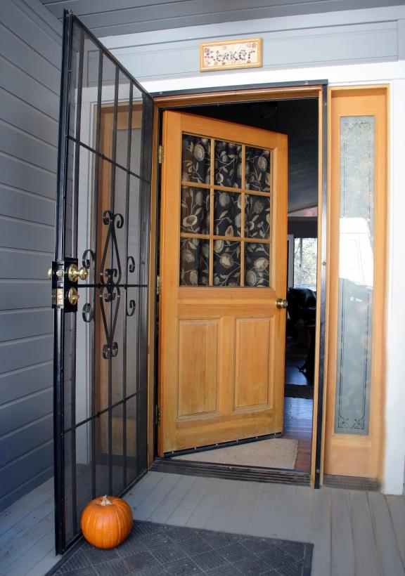 FrontdoorFall_3491