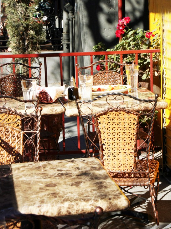 Outside Dining_5874