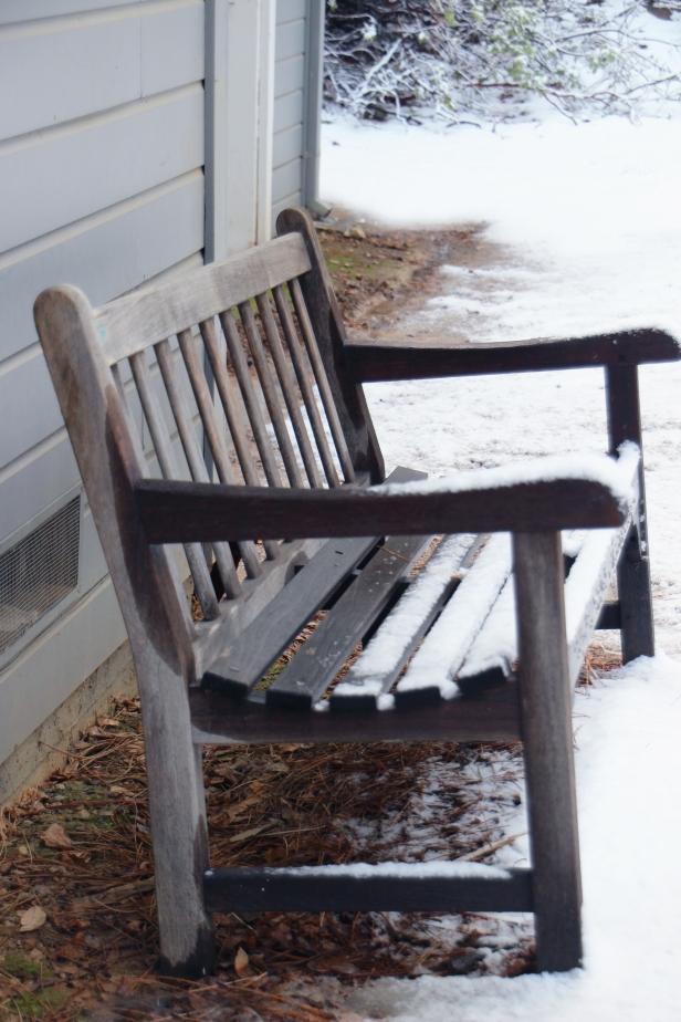 SnowBench_3845